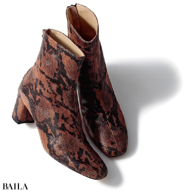 ファビオ ルスコーニのパイソン柄ブーツ