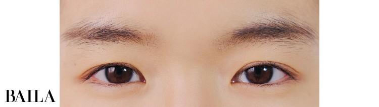 《Before》二重の幅が狭く目もともこぢんまり