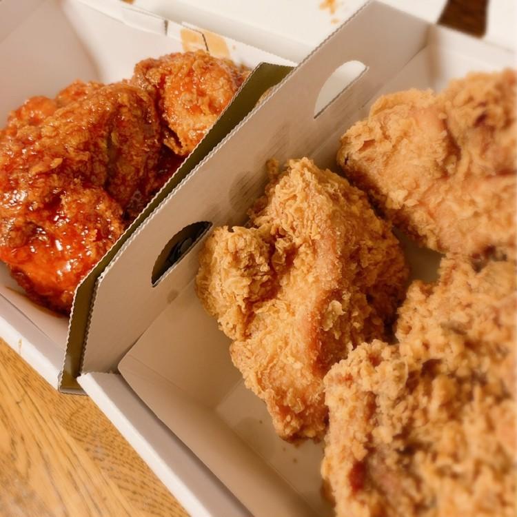 韓国発「bb.q OLIVE CHICKEN café」のオリーブチキン ヤンミョムソース