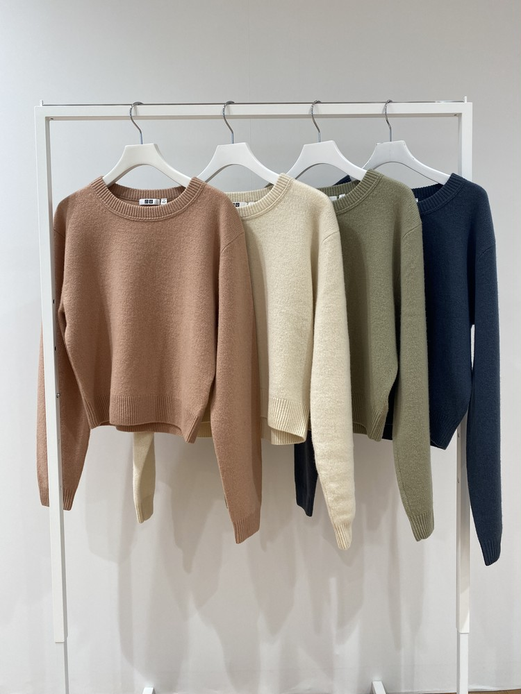 ユニクロユープレミアムラムクロップドセーターのカラーバリエーション