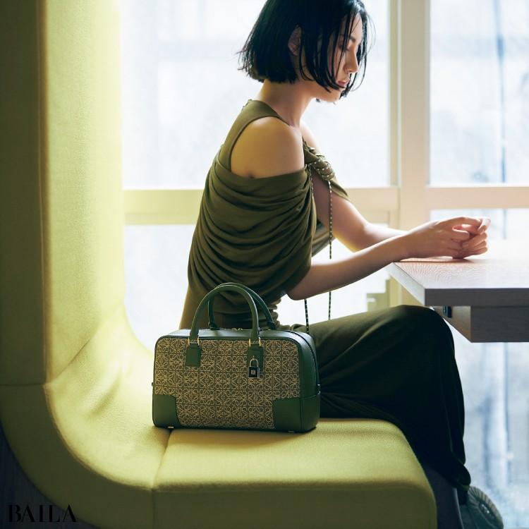 ロエベのバッグ「アマソナ」