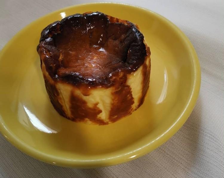 """3.【BASUQUE-STYLE】熟成冷凍""""バスクチーズケーキ"""" MEDIUM (¥1580)"""
