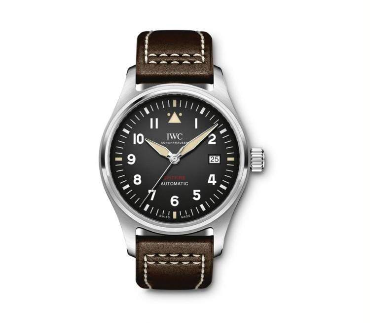 機能美を手元に。スポーティな腕時計【30代からの名品・愛されブランドのタイムレスピース Vol.32】_2_5