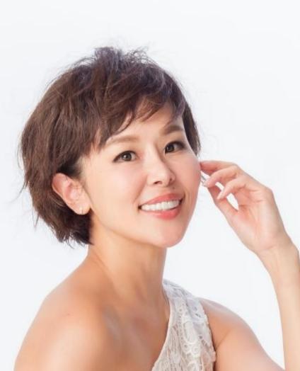 パーツモデル・美容家 金子エミ