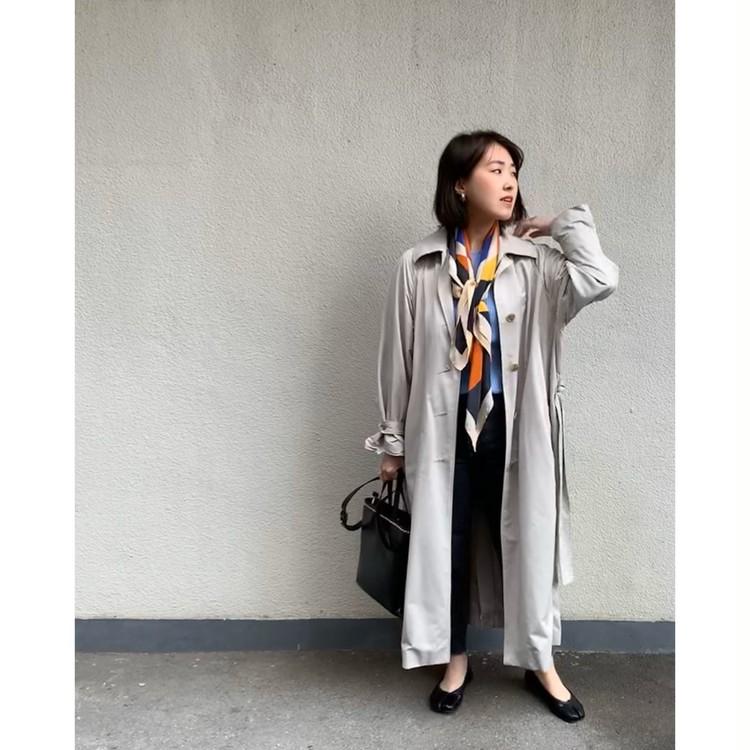 ロングトレンチコート+ゆる巻きスカーフで華やかさプラス_1