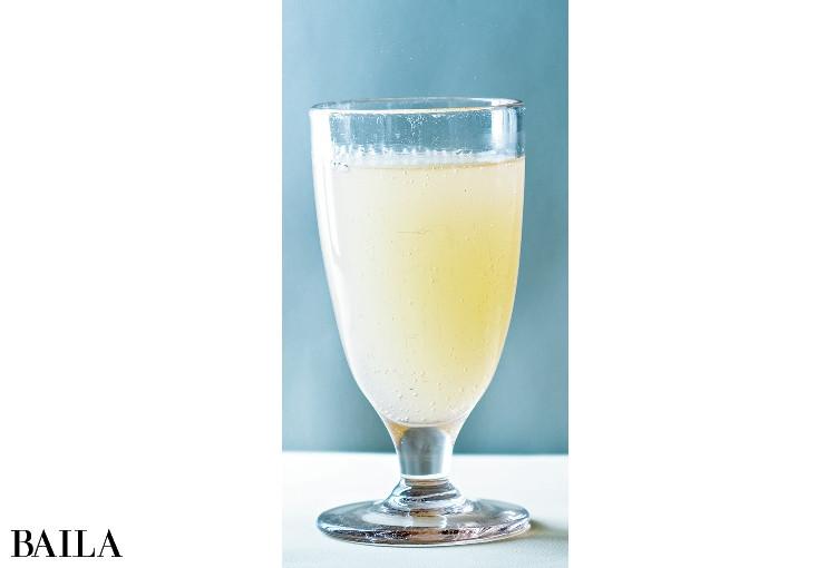レモンを搾っただけの奇跡! 1本に約8個分の果汁がin☆  / ライター 轟木愛美さん