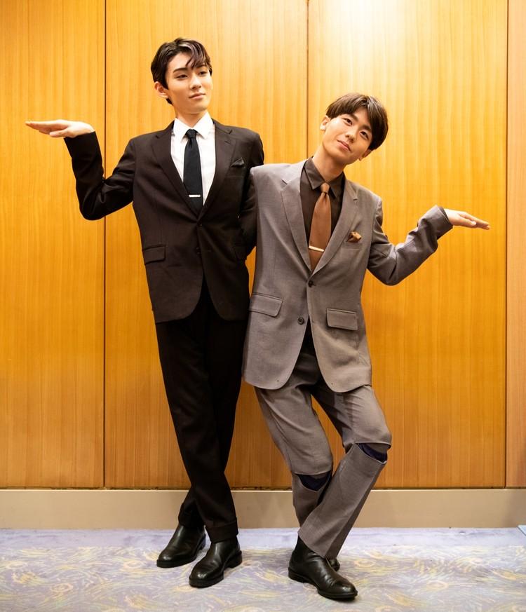 染五郎と團子コンビの三社祭、決めポーズ写真