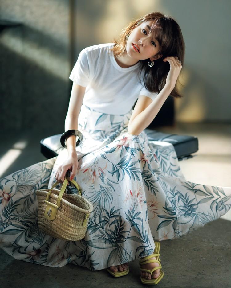 金曜日は、ボタニカル柄のフレアスカートで夏らしく【30代今日のコーデ】