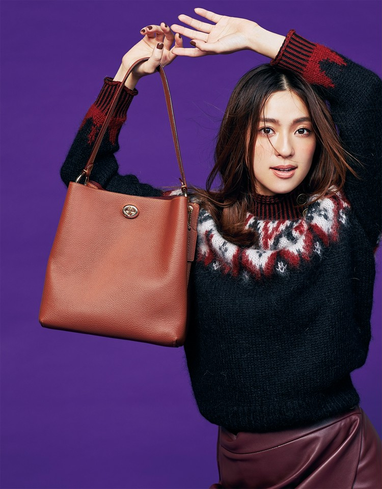 洗練されたシンプルデザインの才色兼備バッグ