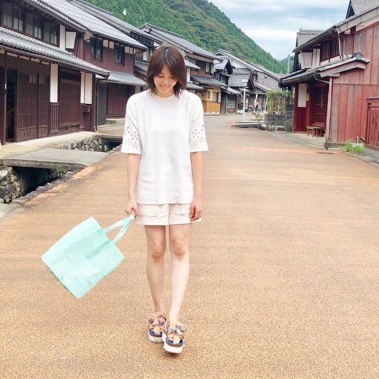 オールZARAのホワイトコーデに差し色エコバッグ♡_3
