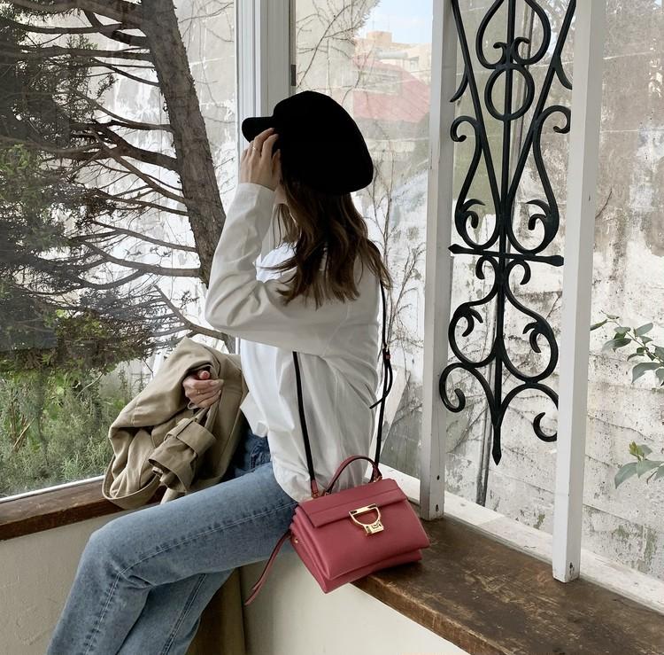 コーデを格上げ!「きれい色」ミニバッグは春の必需品。_6