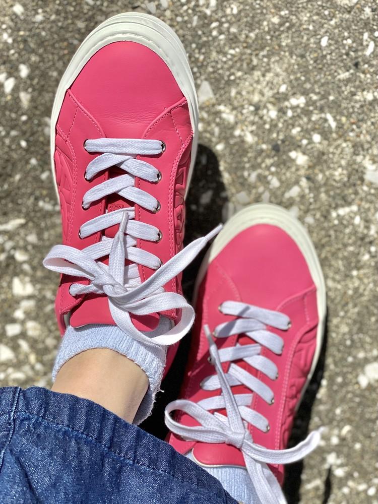 アラサーの履くピンク♡Ferragamoスニーカー_3