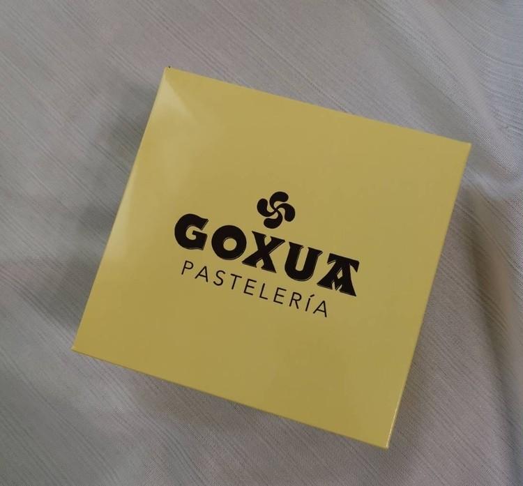 5.【GOXUA(ゴシュア)】バスクチーズケーキ15cm(¥3056)外箱