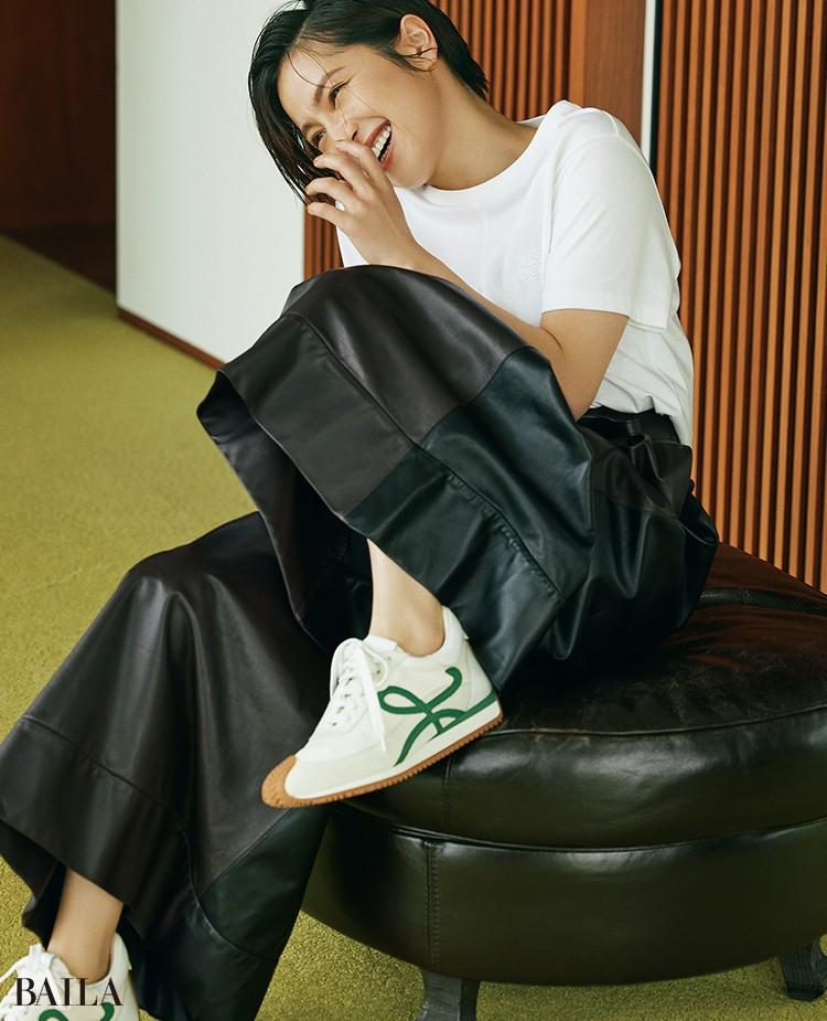 中村アン 靴「FLOW RUNNER」¥99000/ロエベ ジャパン クライアントサービス(ロエベ)