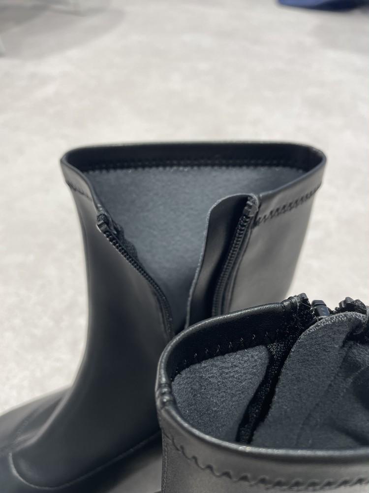 【GU】黒ブーツの内側