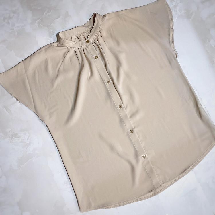 GU990円の高見えシャツで大人の着回しベージュコーデ!_4