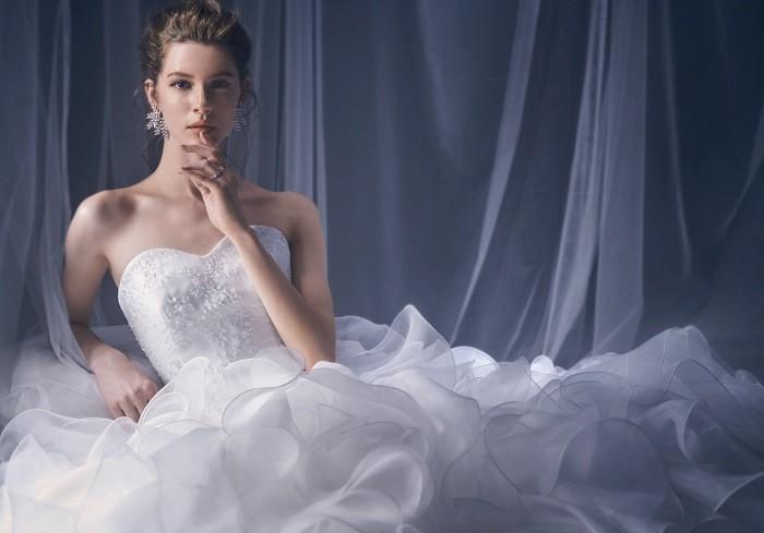 家にいながら素敵なウエディングドレスを選べる!『ノバレーゼ』がオンラインサービスが凄すぎる♡_1