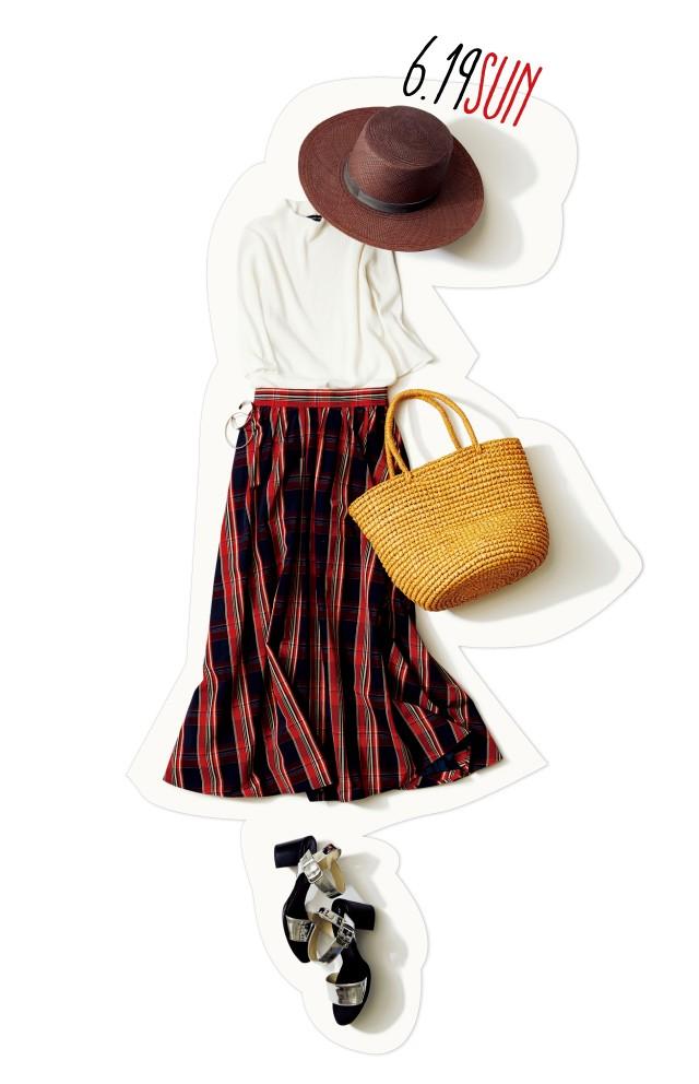 ひと足早く夏のお嬢さんに♡ 週末デートは、白トップス×華やかチェックスカートで出かけよう!_1