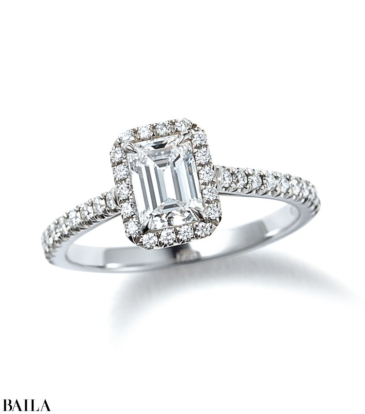 ソレスト エメラルドカット ダイヤモンド エンゲージメント リング