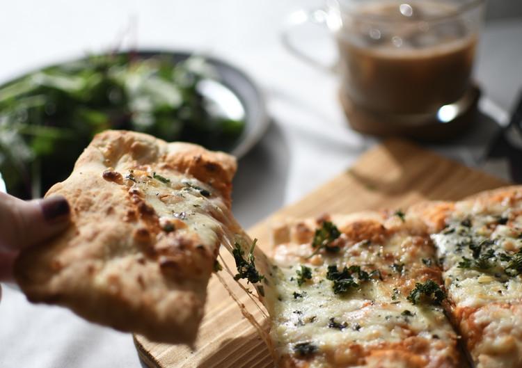 【成城石井】で販売されているおすすめピザ「石窯薪焼きピッツァ マルゲリータ」