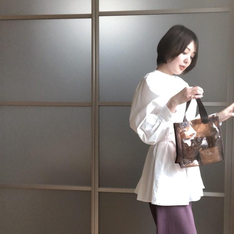 着映え抜群♡デザインブラウス&セルジオロッシPVCトート【BAILA6・7月合併号】_9