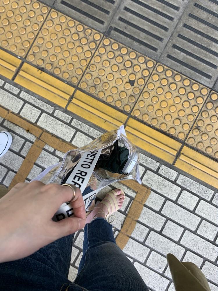 【BAILA8月号】お得すぎるの付録PVCバッグが映える❤︎桐谷美玲さんの軽やかな黒コーデを真似してみた!_2_2
