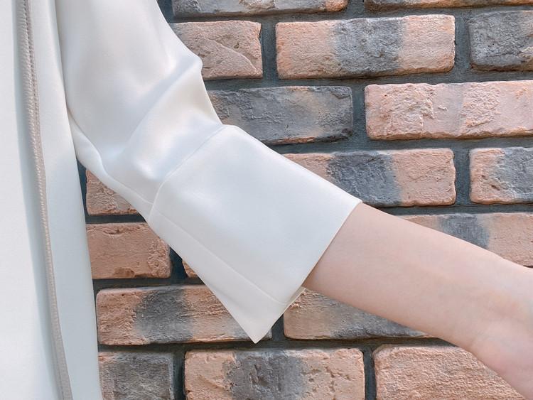 履くだけできれい見えに!体型カバーも優秀なブルーパンツ_5