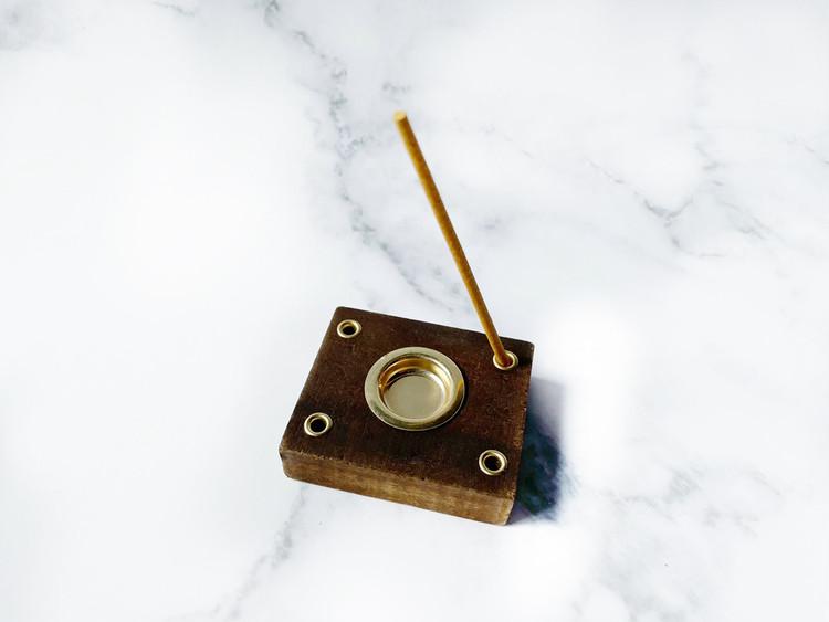 スティックタイプのお香の使用例