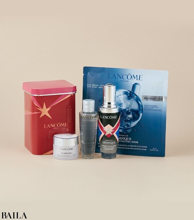肌の常在菌バランスを整える人気の美容液が、限定ボトルで楽しめるスペシャルなキット。美容液現品のプライスで、ジェニフィックのシートマスク、酵素に着目したクラリフィックシリーズのローションとクリームが楽しめる。スターモチーフのBOXもキュート。ジェニフィック キット ¥15400/ランコム