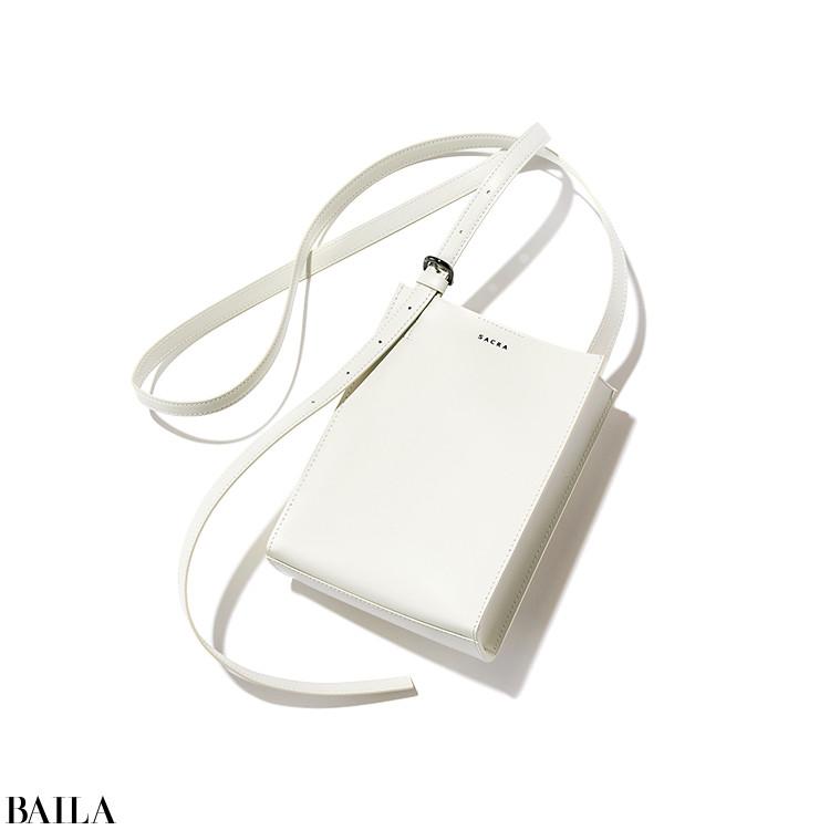 SACRA バッグ(19.5×14.7×5.5)¥36000/インターリブ(サクラ)