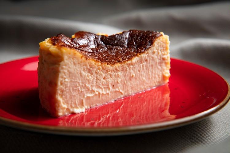 パッケージも味も最高♡話題のレストラン「golosita.」の飛び売れチーズケーキにバレンタイン限定パッケージが登場_3