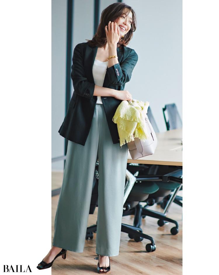 ユナイテッドアローズのジャケットとパンツコーデの松島 花