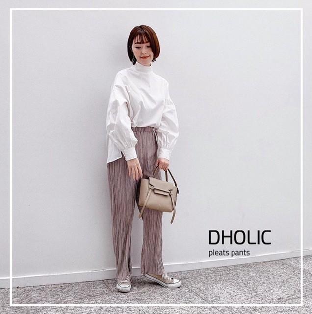 DHOLICのパンツ