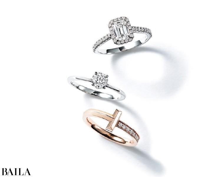 エメラルドカットのダイヤモンドが、唯一無二の個性を放って。
