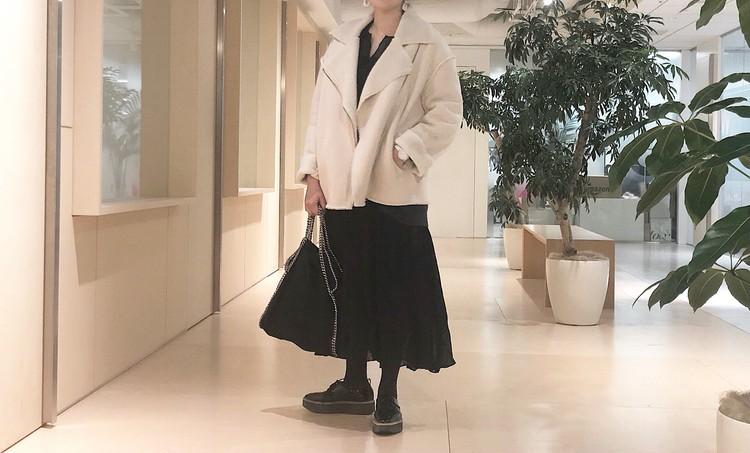 Mila Owenのボアライダースジャケット