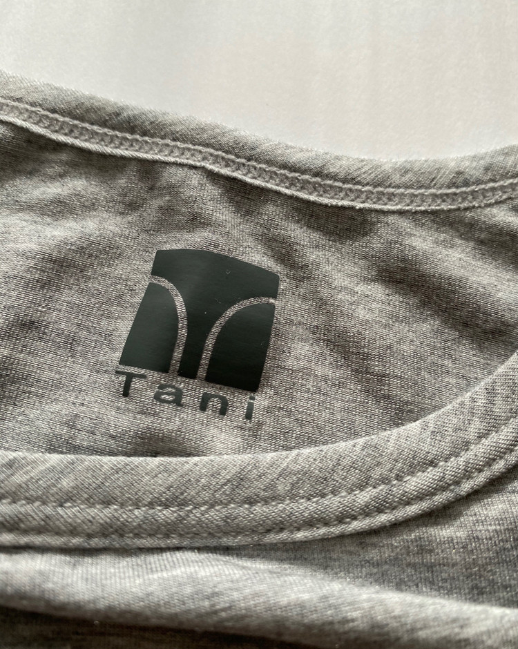 シルクより軽く極細の天然繊維テンセル モダール・マイクロエアーを使用