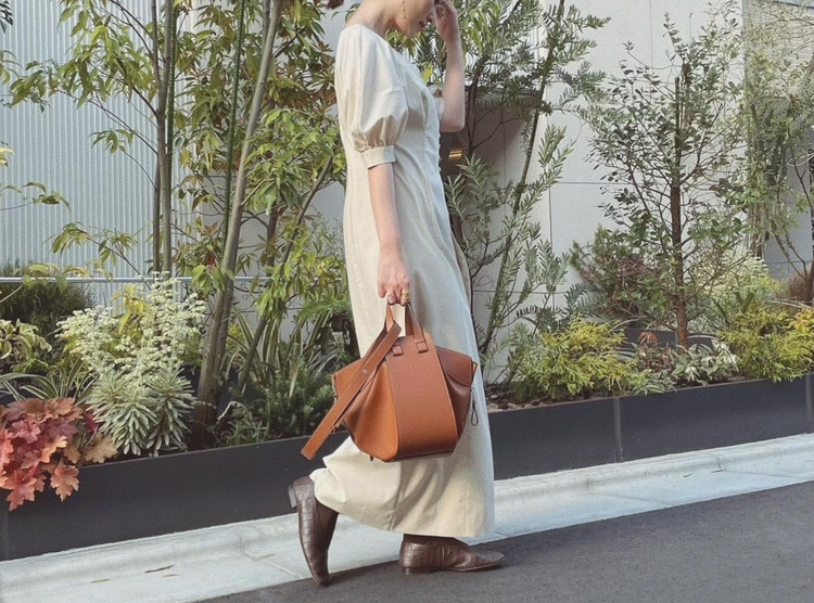 【LOEWE(ロエベ)】3Wayハンモックバッグの使い心地・サイズ感をレポート_1