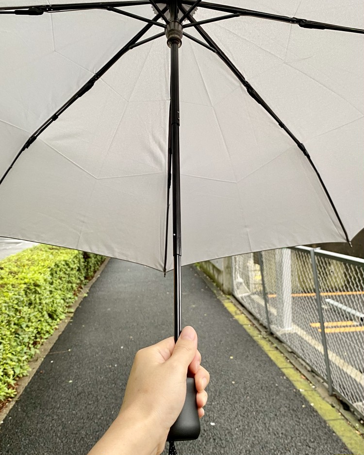 ¥1500プチプラ隠れ名品【ユニクロ(UNIQLO)】軽量&丈夫な折りたたみ傘「コンパクトアンブレラ」が大人気の理由_6
