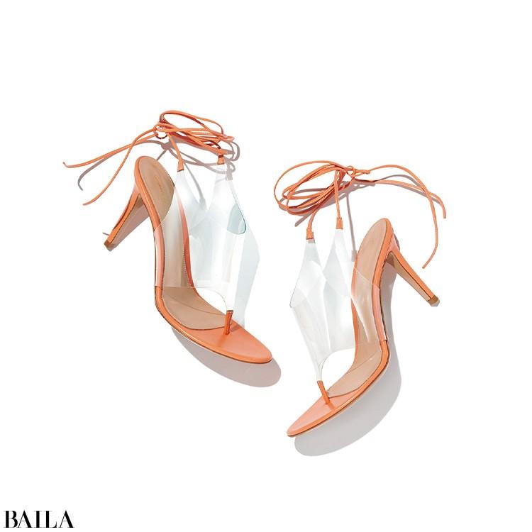 【Gianvito Rossi】  「女っぷりの高い新作サンダルを見て、久しぶりにヒールを履きたい気分に」(編集K)い!」(スタイリストI)