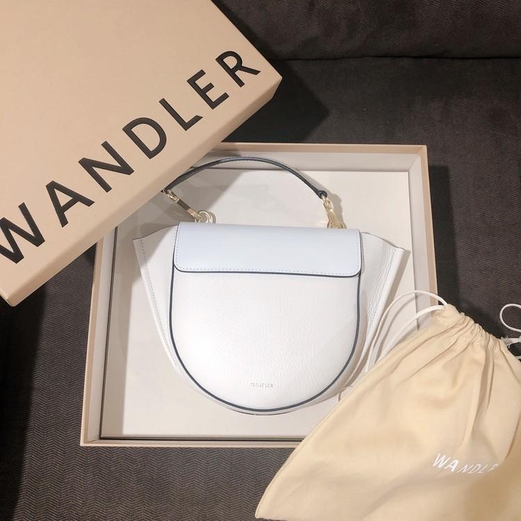 ワンドラーのミニバッグ