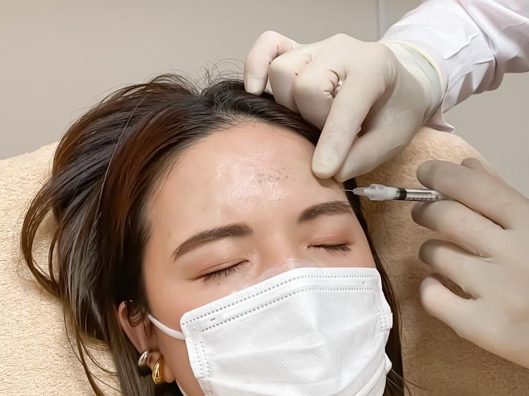 内出血を起こしにくい特殊な針を使用。