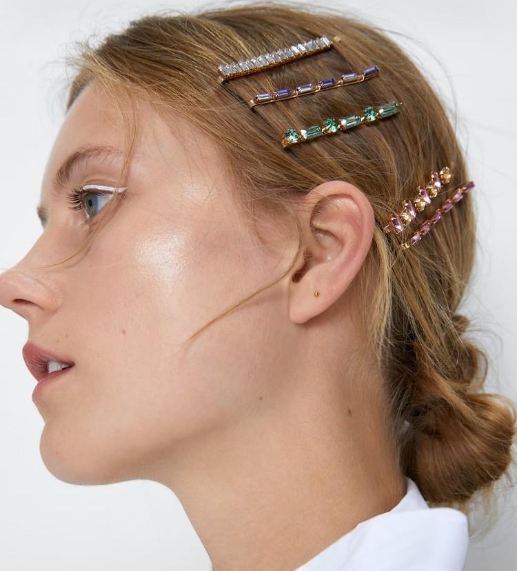 【ZARA(ザラ)】人気ヘアアクセサリー まとめ髪の上から重ねづけヘアアレンジ