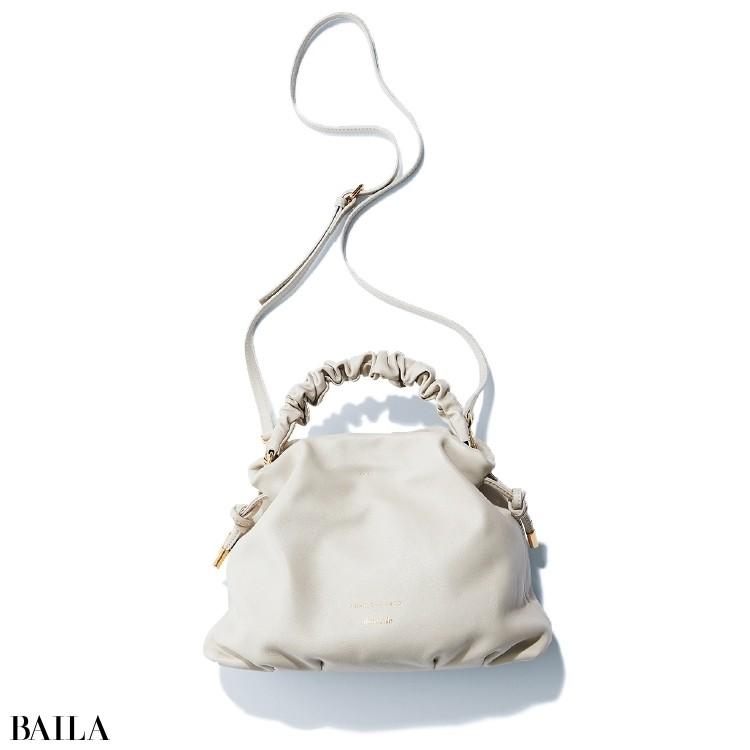 クリスチャンヴィラ・ ペル・アルアバイルのバッグ