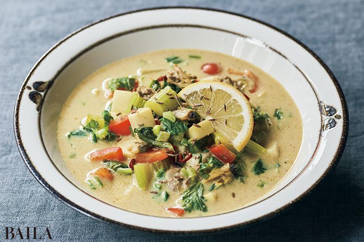 アサリとスパイシーカレー 豆乳スープ