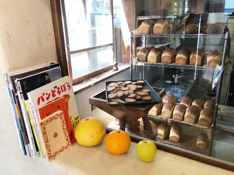 代々木にある新釜で焼くカンパーニュと食パンのパン屋さん_6
