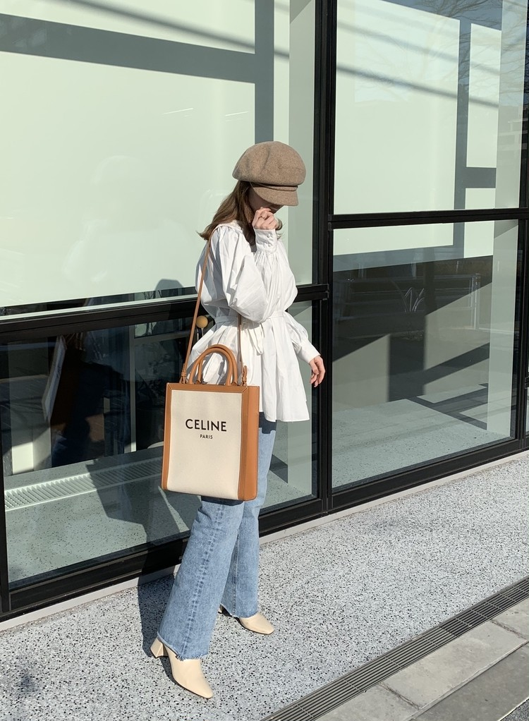 【CELINE】本命春バッグは「ブランドロゴトート」_6