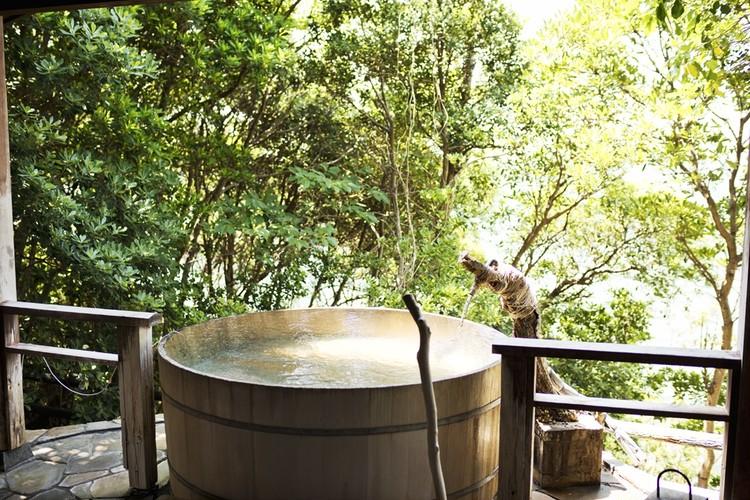 空と海と温泉が一体となる露天風呂。夏のお出かけ和歌山編①【関西のイケスポ】_3