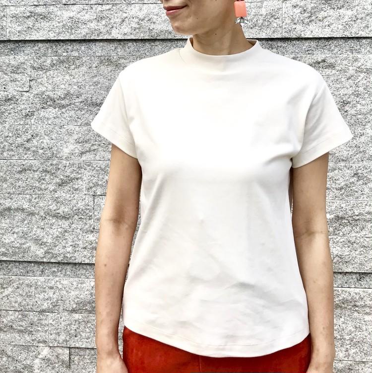 ¥990で大人女子も高見えきれい!【ジーユー(GU)】超高コスパTシャツ&トップス人気4選_2_3