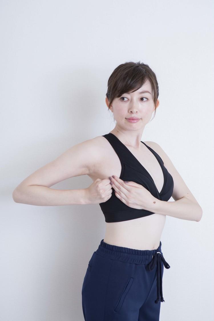 【寝る前のチチカツ①】垂れチチに効く体操はコレ!_6