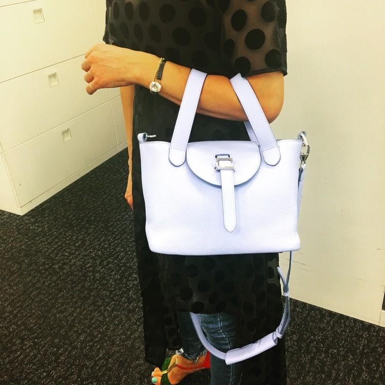 キャサリン妃も愛用【メリメロ】のバッグは持ち方が新しい!_1